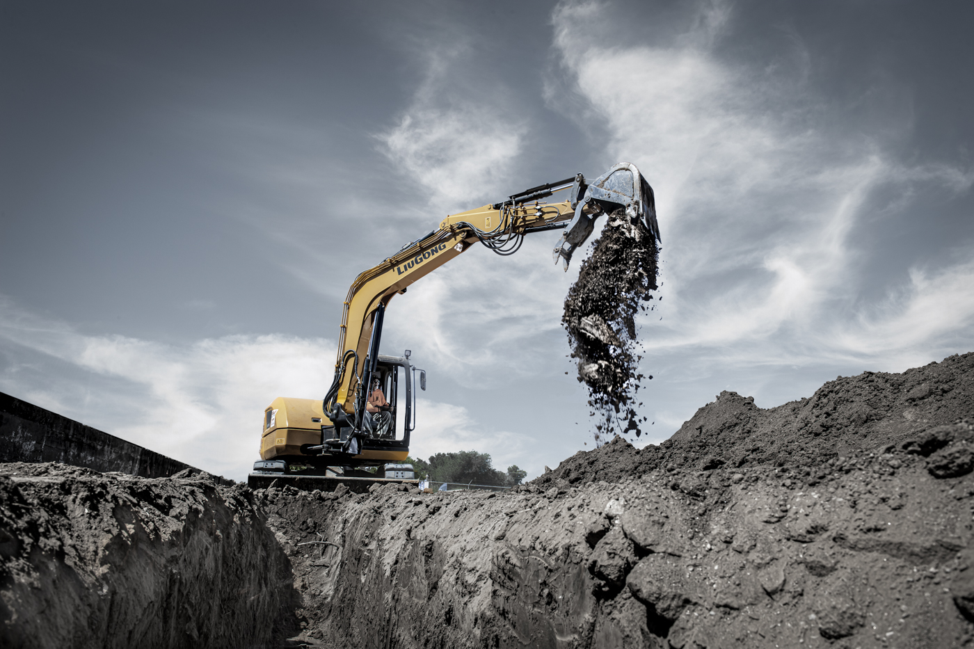 LuiGong Excavator photographed during a construction job.